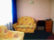 ЛЮКС ОДНОМЕСТНЫЙ № 32, № 43, 2 комнаты, двуспальная кровать, диван, кондиционер(№ 43), телевизор, холодильник, телефон, душевая кабина.