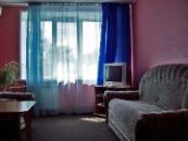 ЛЮКС ОДНОМЕСТНЫЙ № 43,  2 комнаты, двуспальная кровать, диван, кондиционер (№ 43), телевизор, холодильник, телефон, душевая кабина.