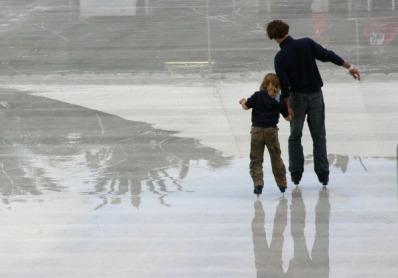 Где находятся ледовые катки в Москве?