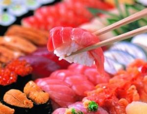 Где можно поесть суши в Москве?