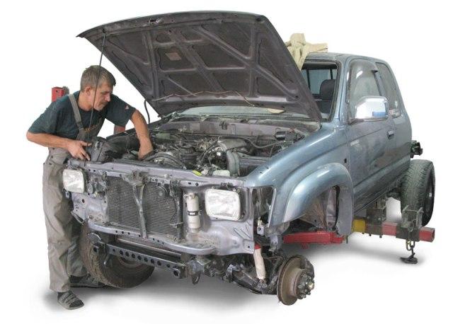 Где оказывают услуги ремонта автомобиля в Москве?