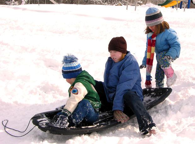 Куда отправить ребенка на зимних каникулах в Москве? Детские зимние лагеря в Москве