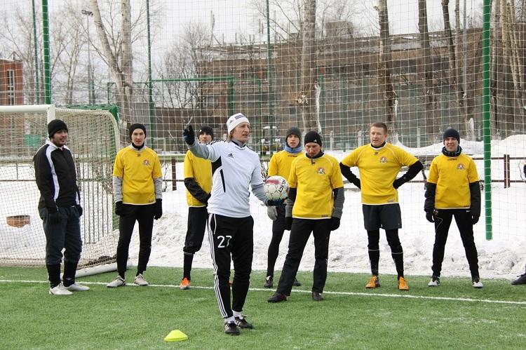 Где научиться играть в футбол в Москве?