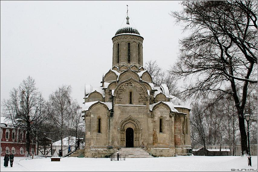 Обзор уникальных и старейших зданий Москвы и области
