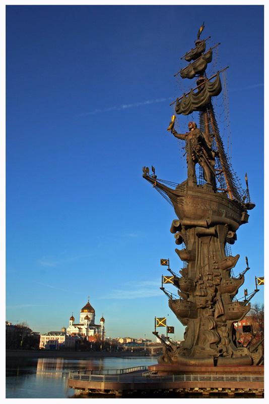 Где находятся самые высокие памятники в Москве