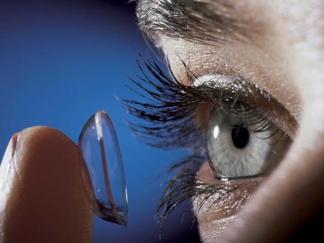 Где купить контактные  линзы в Москве?