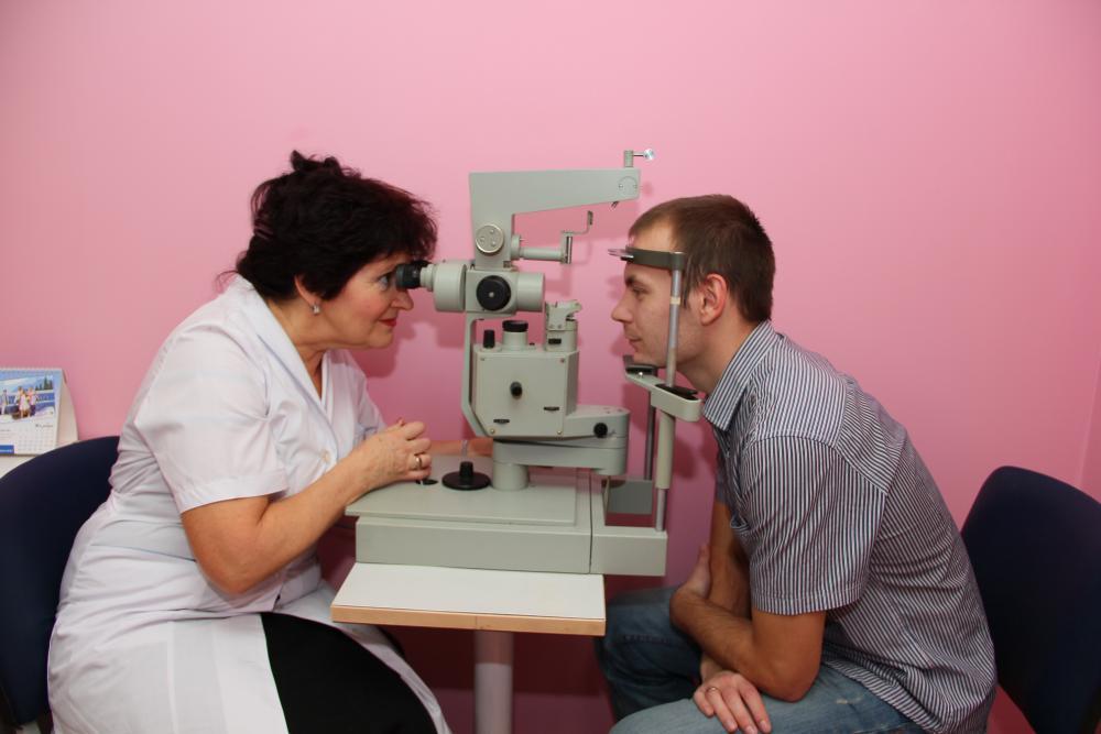 Где можно проверить зрение в Москве?