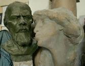 Я скульптор. Ставил на полки свои скульптуры и случайно рядом оказались эти скульптуры и увидел что это - Достоевский и Муза-